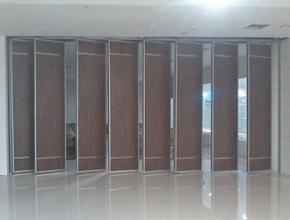 pintu lipat semi peredam